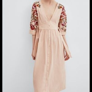 NWOT Zara embroidered linen maxi dress